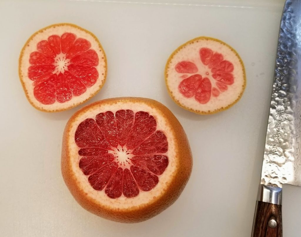 grapefruit with top and bottom cut off